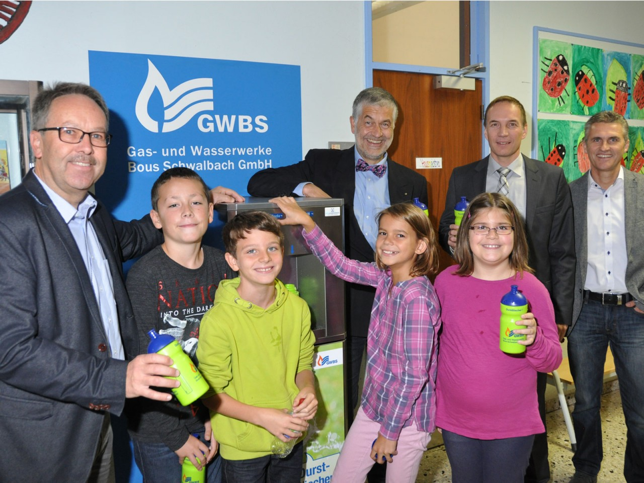 Bachtalschule in Elm erhält Trinkwasser-Spender