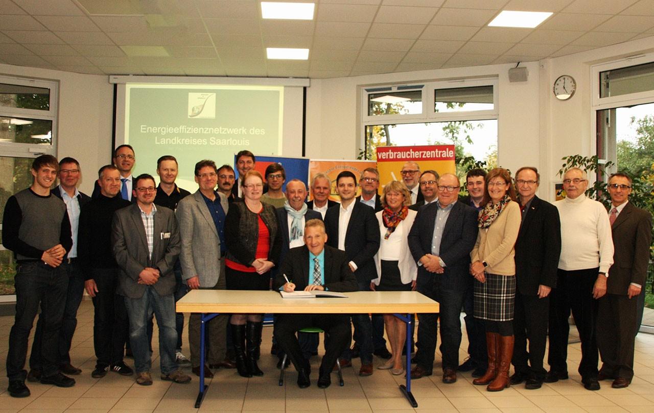 Ein wichtiger Schritt hin zum klimaneutralen Landkreis Saarlouis – Energieeffizienznetzwerk auf den Weg gebracht