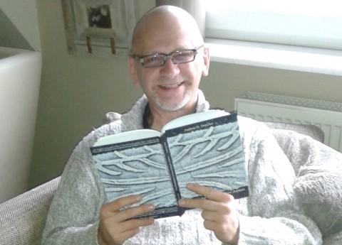 """Andreas H. Drescher liest in seinem Geburtsort Schwalbach aus seinem Erzählband """"Die Rückkehr meines linken Armes"""""""